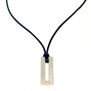 Collier homme plaque rectangle